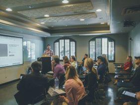 How to create an impactful online customer training program?